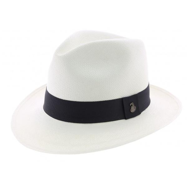 Chapeau de paille de rigueur pour l'été !